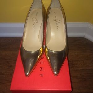 Ivanka Trump Gold Point Toe shoes
